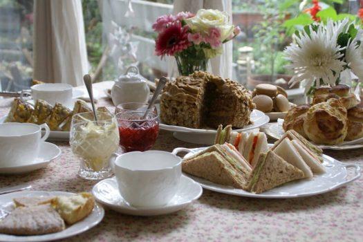 Afternoon tea tasting with Caroline